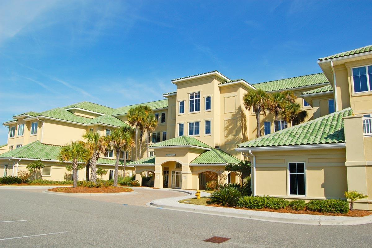 Edgewater - 238 Hotel & Resort