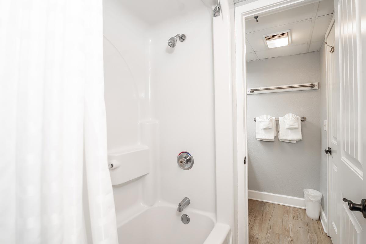 Bridgewater Deluxe 1 Bedroom Suite Ocean Getaway