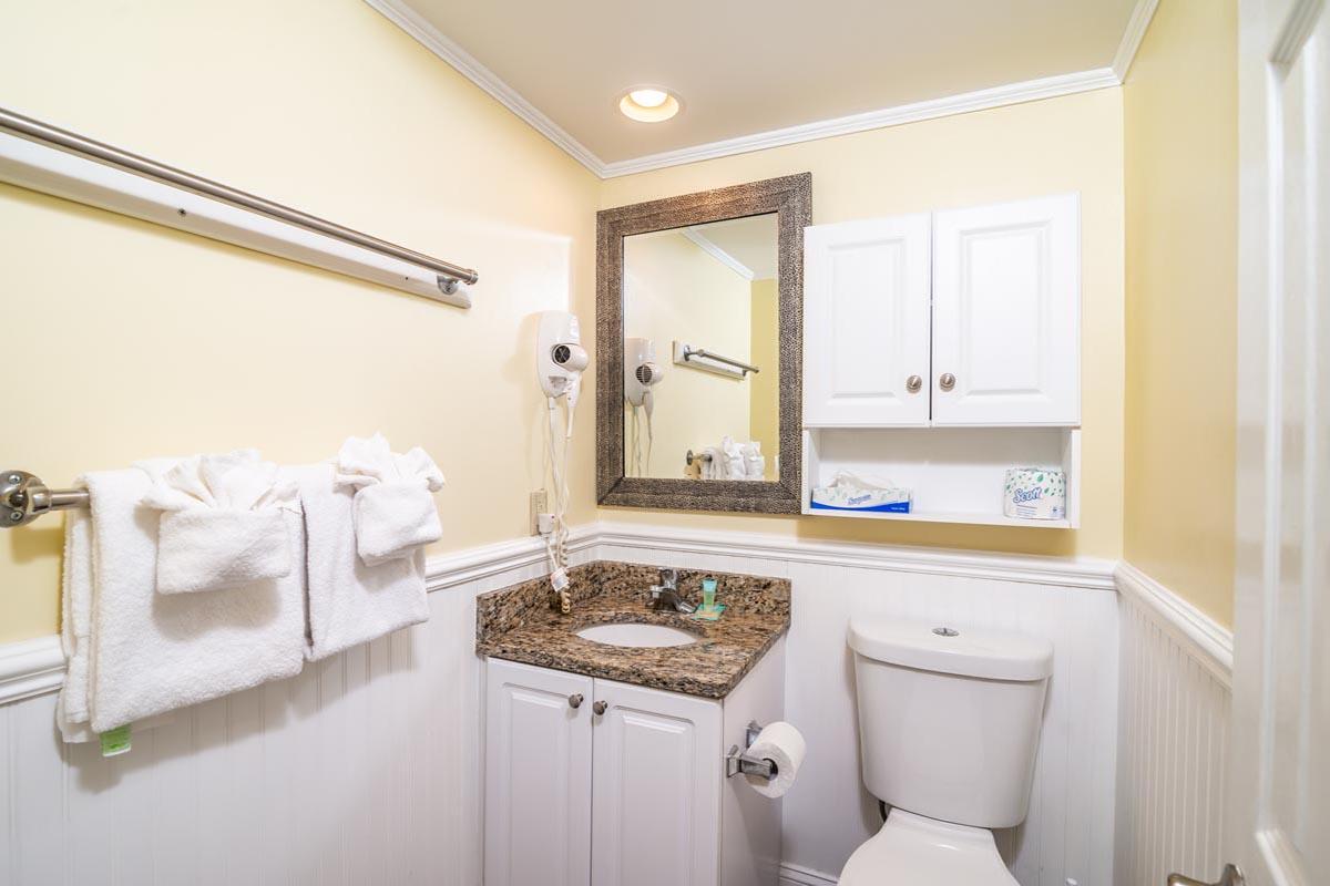 Bridgewater 1 Bedroom King Suite Ocean Getaway