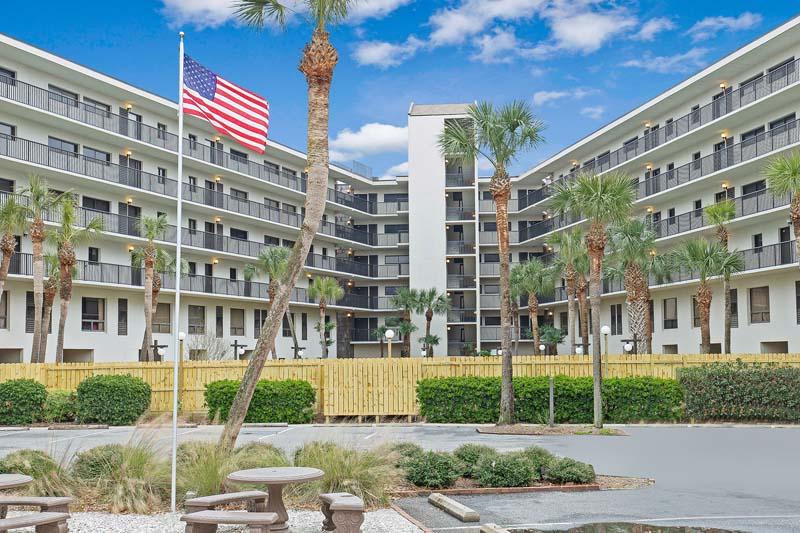 Litchfield Retreat Hotel & Resort