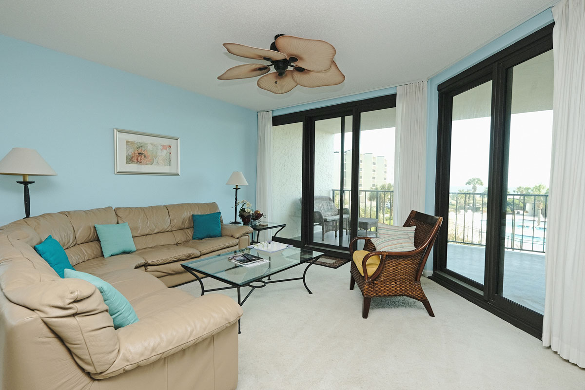 Discover the Accommodations at Litchfield Beach & Golf Resort