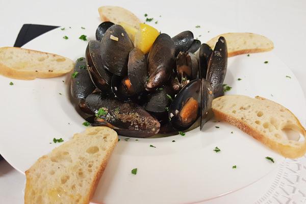 PEI Mussels / Littleneck Clams