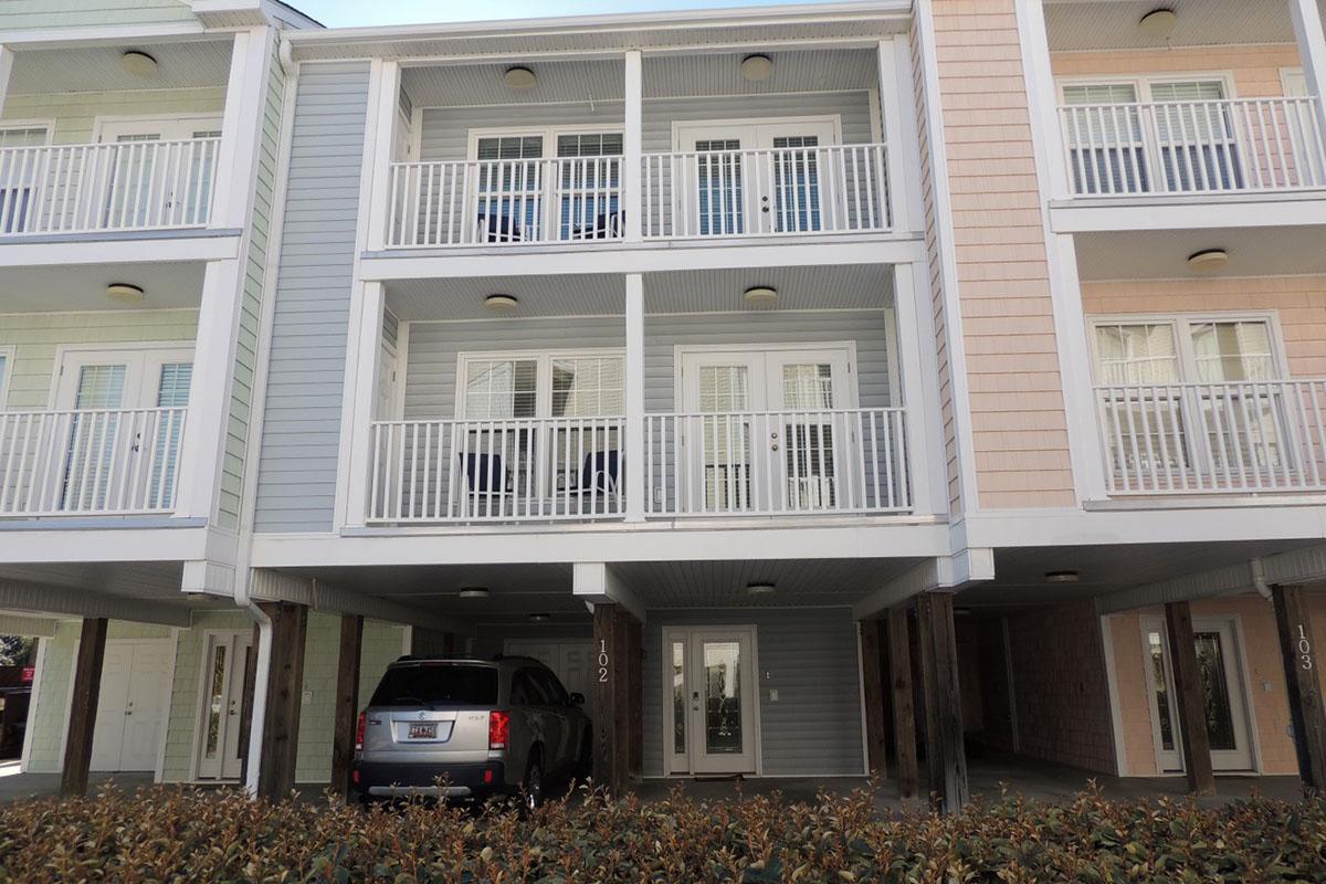 Charleston Village 102