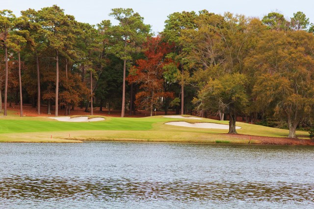 Top 5 Reasons Fall is a Great Time for Your Myrtle Beach Golf Getaway