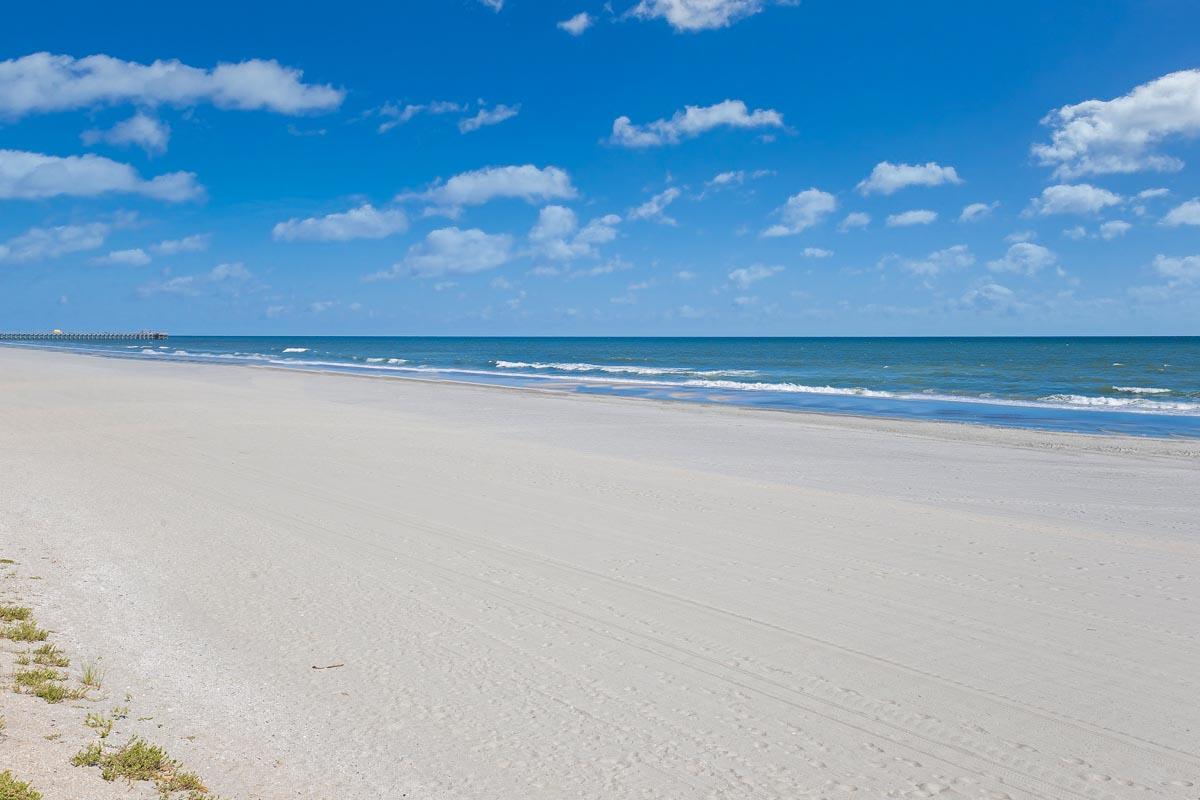 Sands Beach Club 120 Vacation Rentals