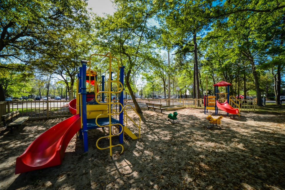 Playground and Picnic Area Litchfield Vacations